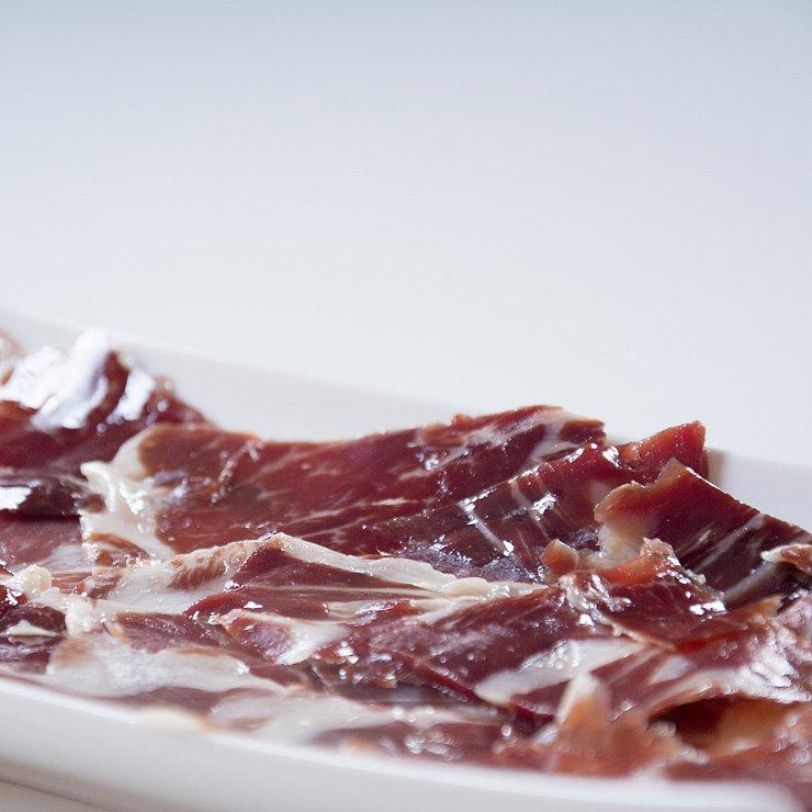 SOBRES DE 150 GRS. Jamón de bellota ibérico 50% raza ibérica CORTADO a cuchillo (profesional)